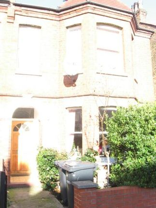 3 bed flat to rent in Beresford Road, Manor House