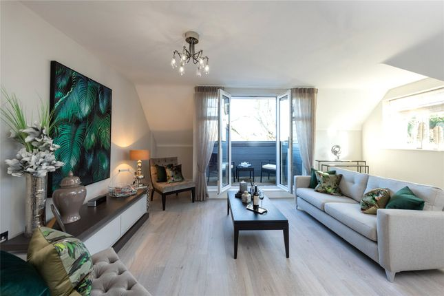 Thumbnail Flat for sale in Chesterton Manor, 119 Station Road, Beaconsfield, Buckinghamshire