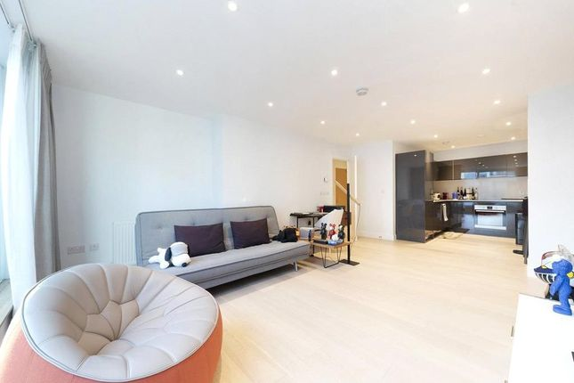 Thumbnail Flat to rent in Globe View House, 171 Blackfriars Road, Southwark