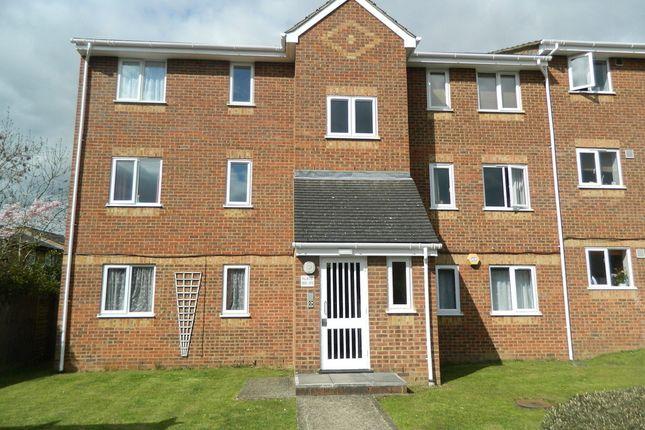 Thumbnail Flat to rent in Walpole Road, Cippenham, Berkshire