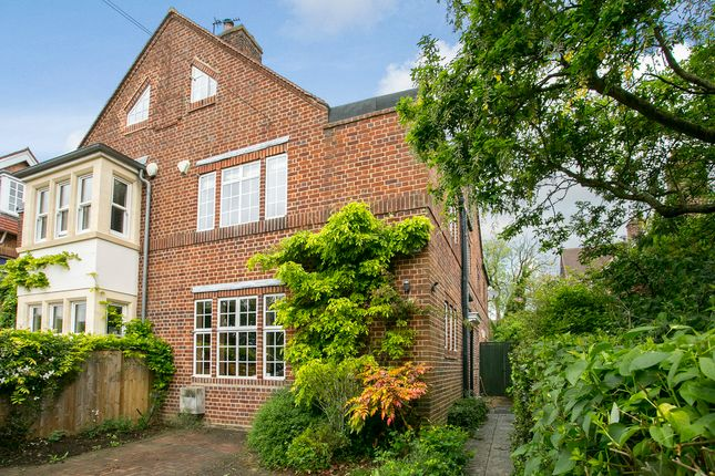Thumbnail Semi-detached house for sale in Bainton Road, Oxford