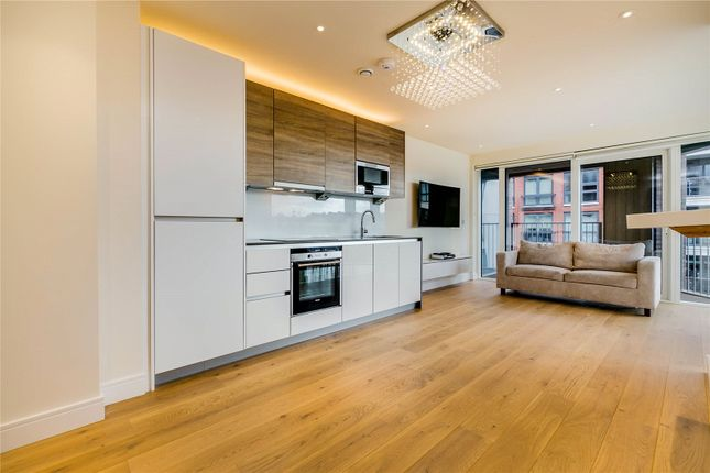 2 bed flat to rent in Dockside House, 4 Park Street, London