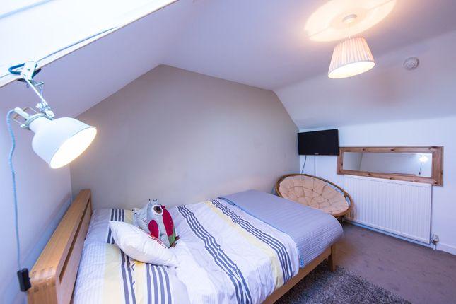 Room to rent in Alpine Street, Reading