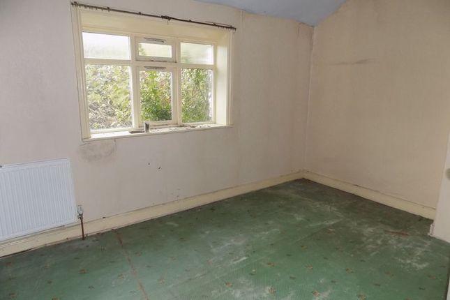 Bedroom One of Farside Green, Bradford BD5