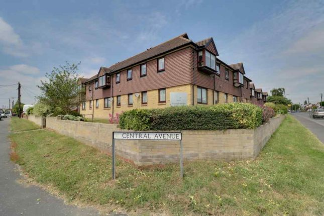 Thumbnail Flat for sale in Ashingdon Road, Ashingdon, Rochford