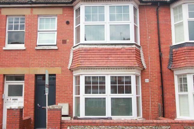 Studio to rent in Wordsworth Road, Worthing BN11