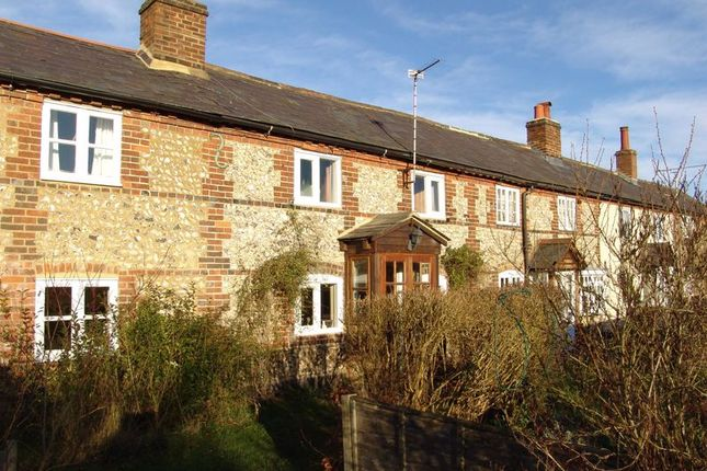 2 bed terraced house to rent in Blackthorne Lane, Ballinger, Great Missenden HP16