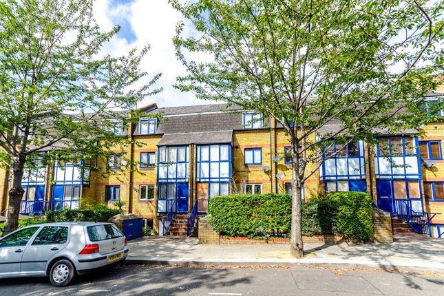 Thumbnail Flat to rent in Orchard Close, Notting Hill
