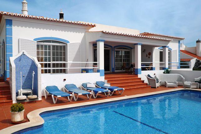 3 bed villa for sale in Carvoeiro, Lagoa, Portugal