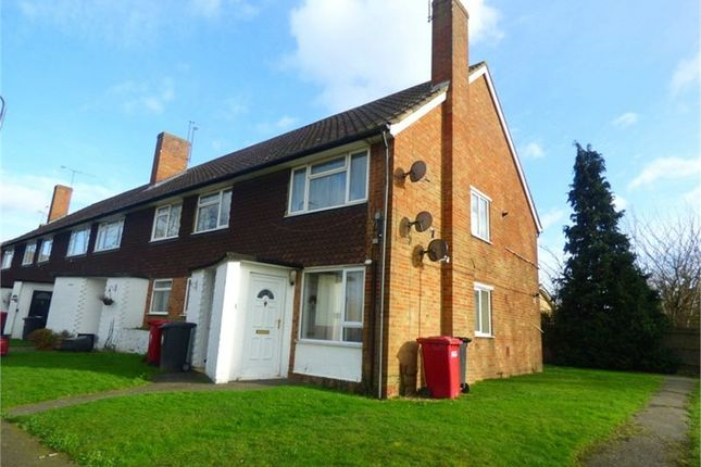 Thumbnail Maisonette to rent in Wylands Road, Langley, Berkshire