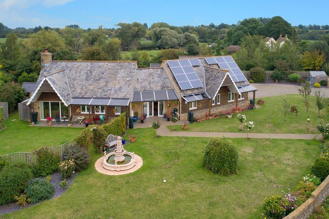 Thumbnail Detached bungalow for sale in Broad Lane, Finglesham, Deal