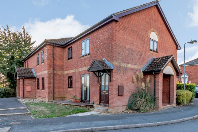 Thumbnail Flat for sale in The Maltings, Royal Wootton Bassett, Swindon