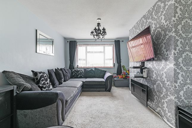 Thumbnail Flat for sale in 23 St Marys Avenue, Stanwell, Staines