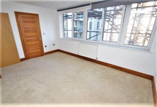 Thumbnail Flat to rent in Scarbrook Road, Croydon, Surrey