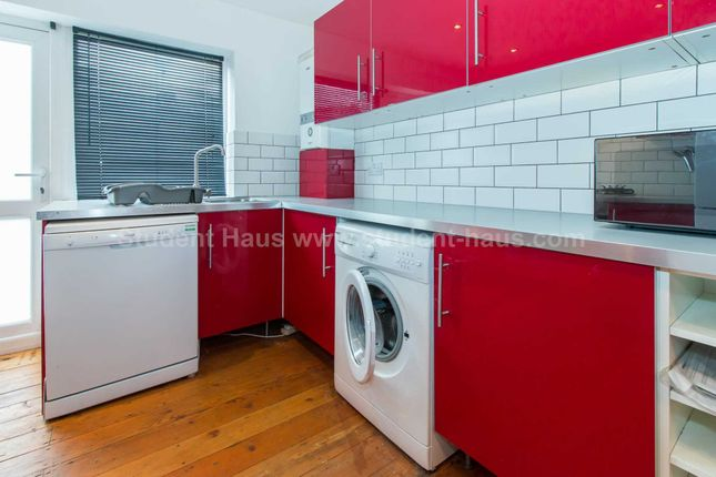 Thumbnail Property to rent in Ladybarn Lane, Manchester