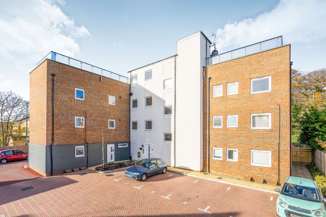 Thumbnail Flat to rent in 7 Kingfisher Drive, Camberley, Surrey