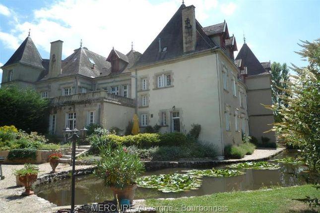 <Alttext/> of Vichy, Auvergne, 03200, France