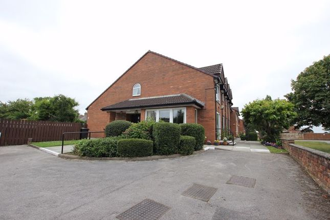Thumbnail Property for sale in Dale Avenue, Heswall, Wirral
