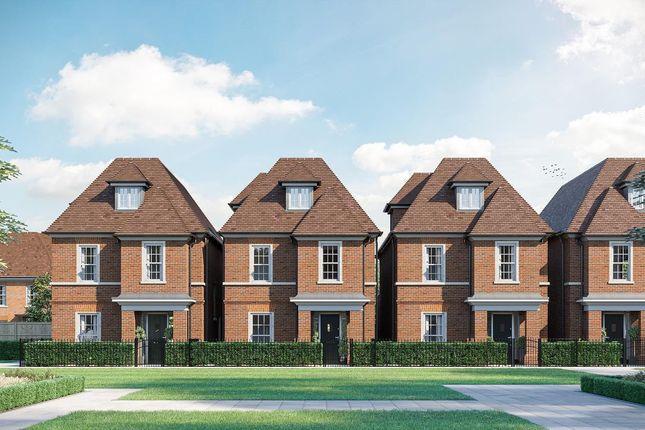 4 bed detached house to rent in Broadoaks Park Road, West Byfleet KT14