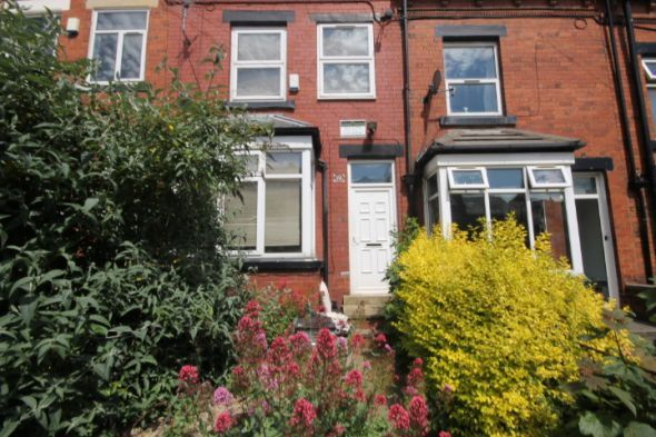 Terraced house to rent in Knowle Road, Burley, Leeds