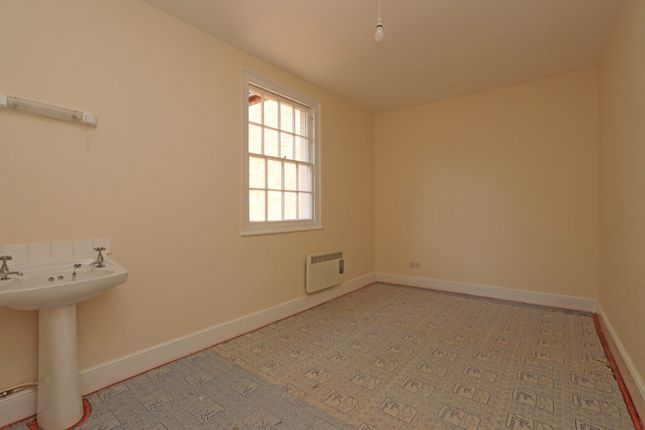Bedroom 2 of High Street, Uffculme, Cullompton EX15