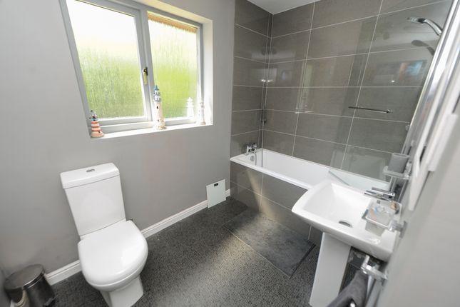 Bathroom of Treeneuk Close, Ashgate, Chesterfield S40