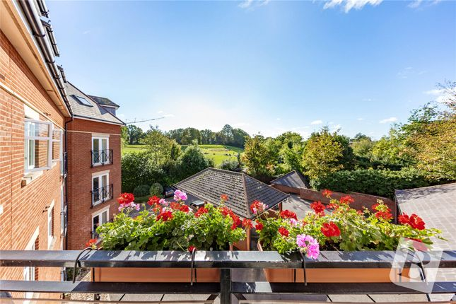 2 bed flat for sale in Eastfield Road, Brentwood CM14