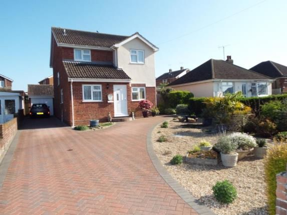 Thumbnail Detached house for sale in Walton Road, Walton On The Naze