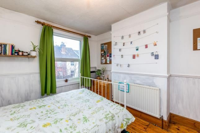 Bedroom 1 of Guildford, Surrey, United Kingdom GU2