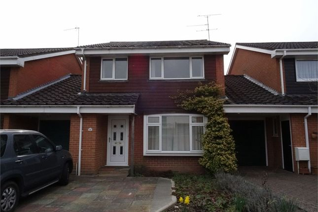 4 bed terraced house to rent in Emmets Park, Binfield, Berkshire