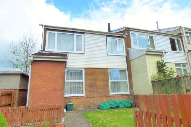 Thumbnail Property to rent in Bron Y Dre, Tregynwr, Carmarthen
