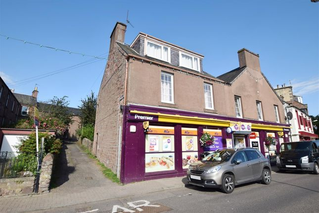 Thumbnail Flat for sale in Leighton Square, Alyth, Blairgowrie