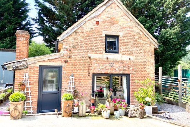 Thumbnail Detached house for sale in Dunkirk Hill, Devizes
