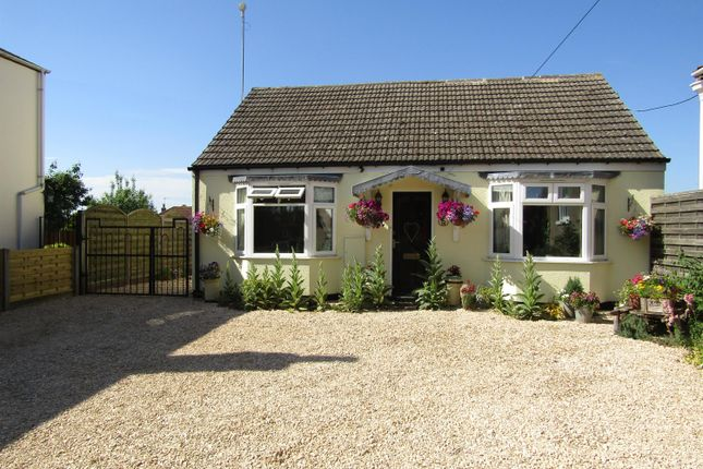 Thumbnail Bungalow for sale in High Street, Upton, Gainsborough