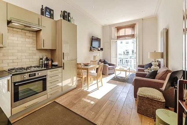 2 bed flat to rent in Cornwall Gardens, South Kensington, London SW7