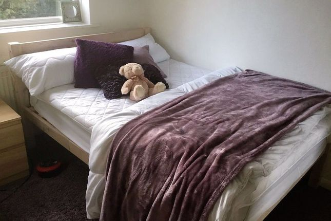 Flat to rent in St. Martins Place, Canterbury