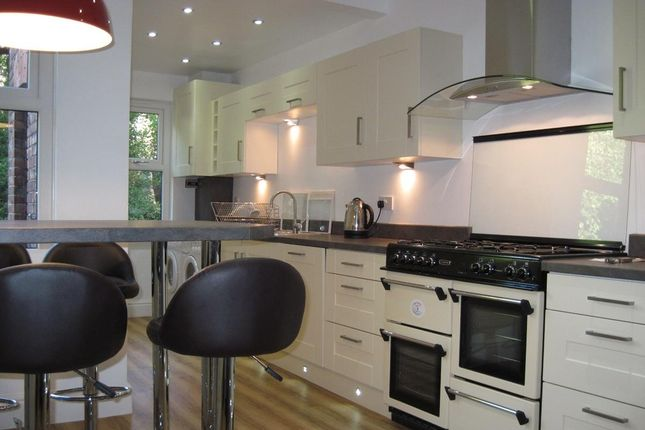 Thumbnail Property to rent in Parkgate Avenue, Withington, Manchester