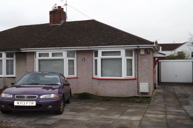 Thumbnail Bungalow to rent in Lambrook Road, Fishponds, Bristol