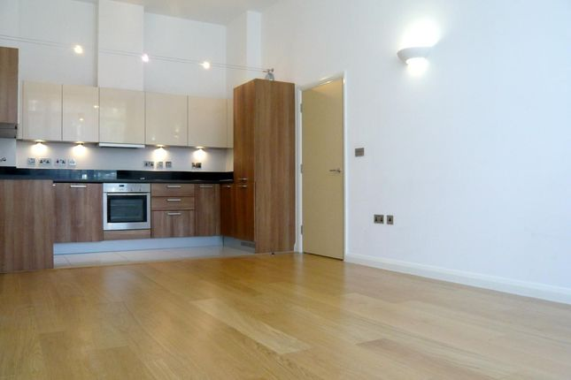 Flat to rent in Anthony Court, Larden Road, Chiswick