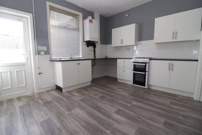 2 bed terraced house to rent in Holland Street, Bolton BL1