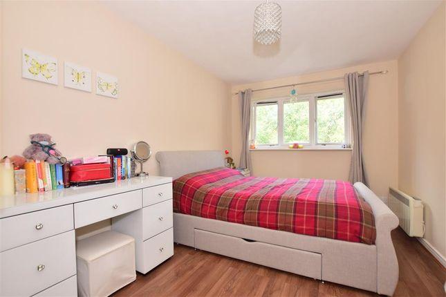 Bedroom of Peel Close, London E4