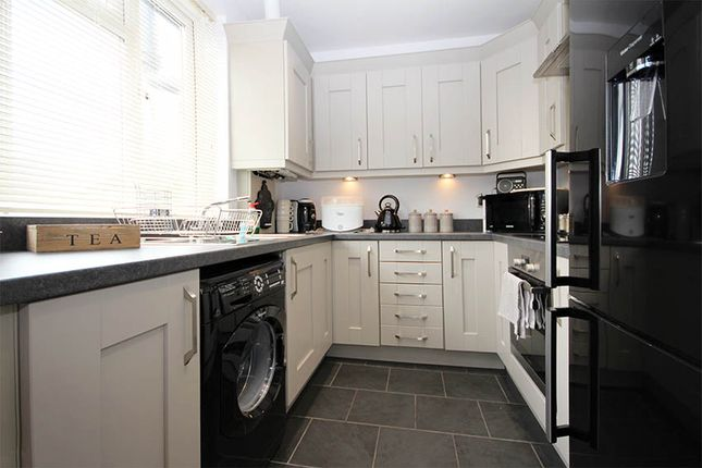 Thumbnail Maisonette for sale in The Parade, Vale Road, Worcester Park