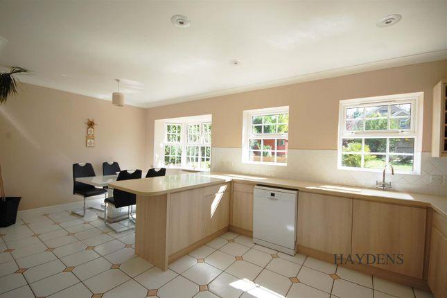 Kitchen of Mallow Walk, St. James Road, Goffs Oak EN7