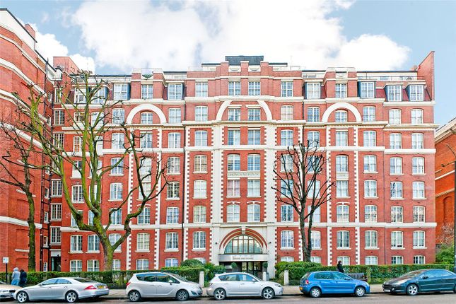 Picture No. 01 of Grove End House, Grove End Road, London NW8