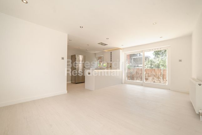 Thumbnail Bungalow to rent in Grasmere Road, London
