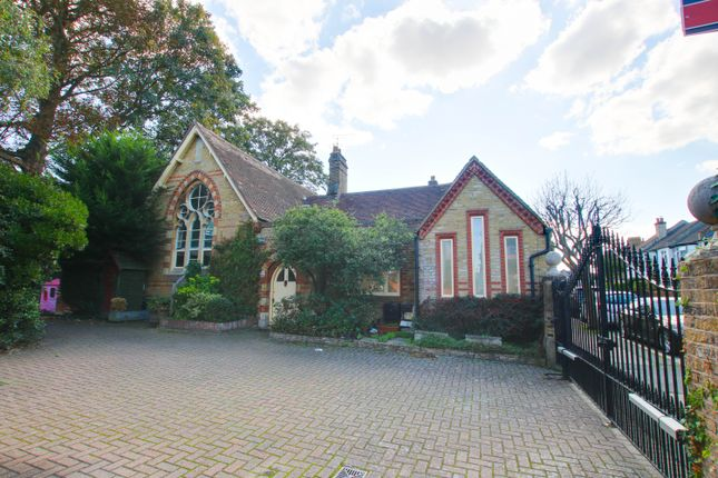 Thumbnail Semi-detached house to rent in Fairfield Road, Bromley