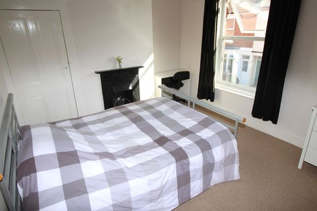Thumbnail Terraced house to rent in Harold Road, Southsea