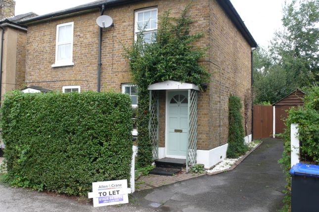 Cottage to rent in Alice Lane, Burnham