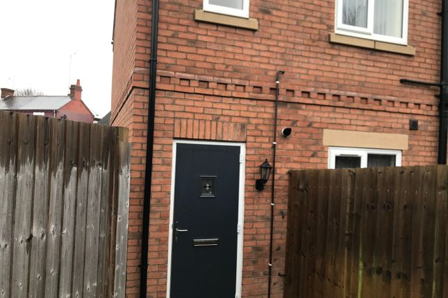 2 bed flat to rent in Autumn Close, Coventry CV6
