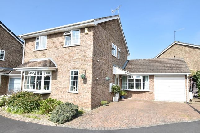 Thumbnail Detached house for sale in Willow Road, Evesham